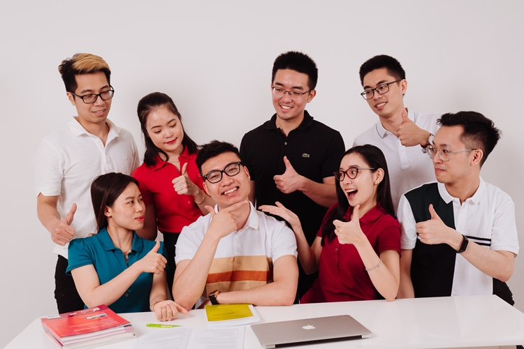 Đội ngũ giáo viên và nhân viên We Talent