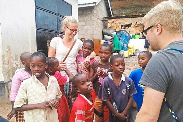 Tình nguyện viên ở Đức kết hợp chuyển đổi du học nghề