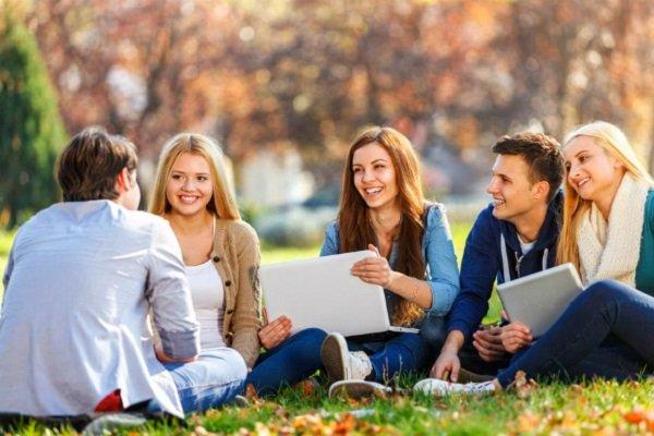 cơ hội giao lưu văn hoá và kiến thức