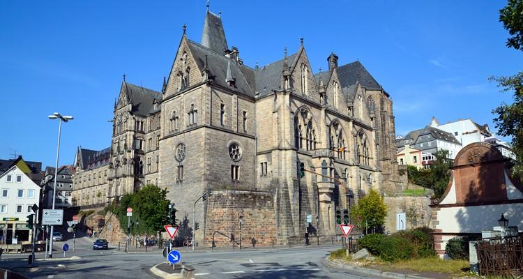 Khám phá thành phố Marburg của Đức
