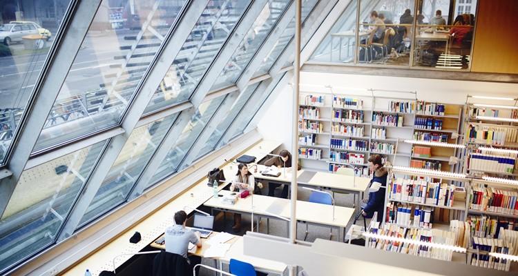 THI thư viện
